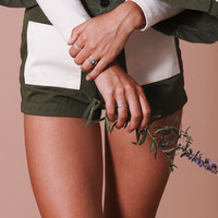 Woody Short~Olive/Cream