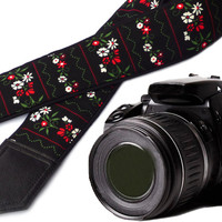 InTePro Flowers Camera strap.  Black DSLR / SLR Camera Strap . Camera accessories. Durable, light weight and well padded camera strap.