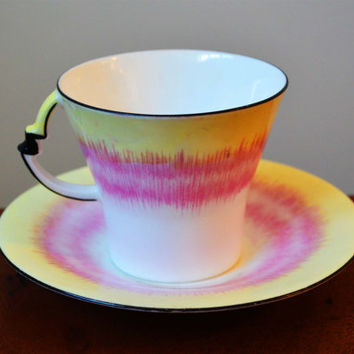 Royal Albert Crown China England 'Sunrays' teacup, yellow and pink Art Deco, circa 1930s, made in England. Hand-painted and hand-stamped 926