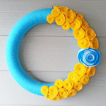 Turquoise Yarn and Gold Felt Flower Wreath