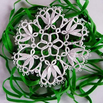 Handmade tatting doily white - wedding Lace Coasters  - wedding decor - home decor - tatting shuttle