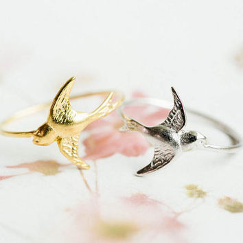 Cute swallow ring,jewelry,ring,bird ring,couple ring,cute ring,women ring,bridesmaid gift,girls ring,gold swallow ring,silver swallow,SKD441
