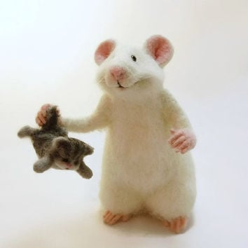 Art felt mouse Mouse and cat Collectible doll Soft mouse Wool mouse Feld cat Felt kitty Mouse felt Mouse white Kitty grey  Sculpture mouse