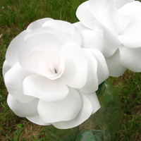 Free Shipping to US customers. 5 LARGE White Paper flower bouquets