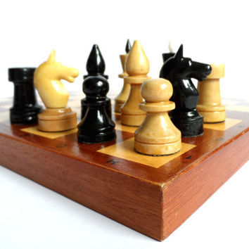 Russian vintage wooden chess. Full set.