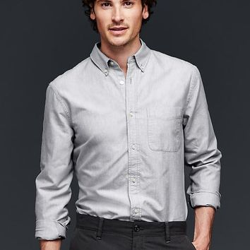 Gap Men Solid Pocket Oxford Shirt Slim Fit