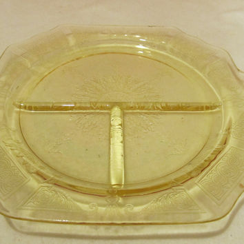 VINTAGE ANCHOR HOCKING PRINCESS DIVIDED PLATE YELLOW IN COLOR