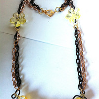 Yellow and black crackle glass squiggle necklace