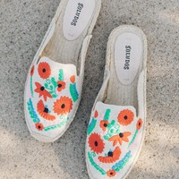 Ibiza Embroidered Mule