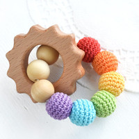 Rainbow Teething Rattle Ring with wooden Sun - Wooden teether - New baby - Babyshower gift - Universal gift - Wooden toy - Blue Green Yellow