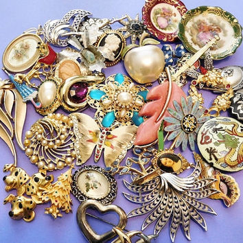Vintage Jewelry Lot Detash Craft Supply Misc Parts DIY Repurpose  /  Steampunk  / Brooch  /  Flower Christmas Cameo Limoges Butterfly Beads