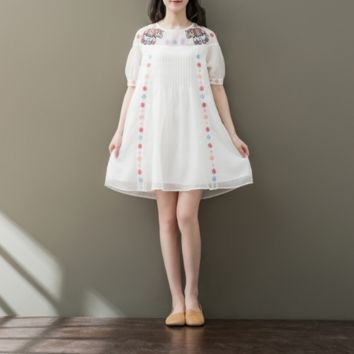 SHORT - SLEEVED ROUND NECK EMBROIDERED COTTON AND LINEN DRESS
