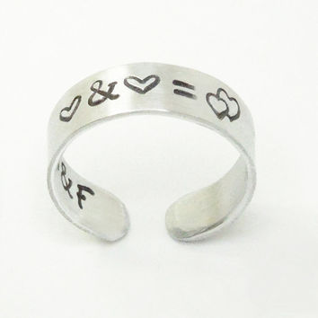 Hearts ring with initials on the inside - Personalized couple ring commitment ring relationship ring - Stamped promise ring jewelry