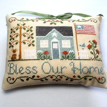 Patriotic decor Pillow, Red White and Blue Pillow, Fourth Of July Pillow, primitive americana pillow,  July 4th pillow, home blessing pillow