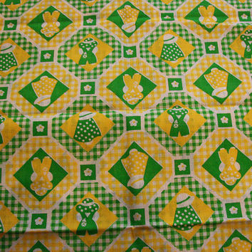 Vintage 1970s Fabric Children Juvenile Novelty Sunbonnet Sue Green Yellow Gingham Fabric