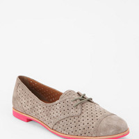 Urban Outfitters - DV By Dolce Vita Marvin Perforated Oxford