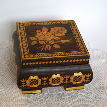 Unique Decorative Polish Wood Box, Trinket Box Jewelry Box Rose Straw Inlay Straw Marquetry, Folk Art, Hinged Lacquered Box, hand carved box