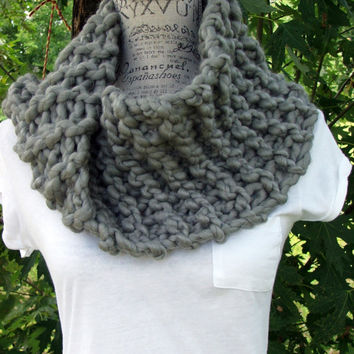 Knit Gray Cowl. Chunky. Scarf. Grey. Infinity. Made by Bead Gs on ETSY.