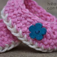 Newborn Baby Booties / Baby Shoes Pink with Blue Flower buttons / wood button crochet