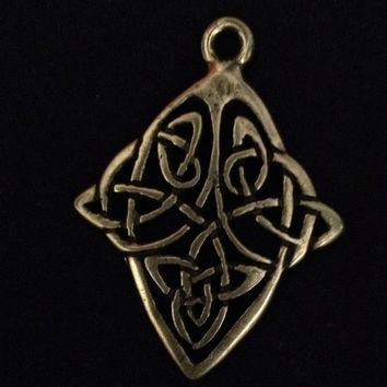 Celtic Pendant- Silver Pendant - Beautiful Vintage Celtic Pewter Irish Pendant