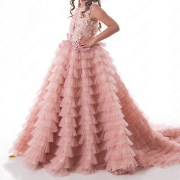2017 Pretty Blush Pink Flower Girl Dresses Ruched Tiered Puffy Girl Dresses for Wedding Party Gowns Pageant Dresses Sweep Train