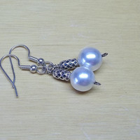 White vintage faux pearl earrings wedding favors treasury item