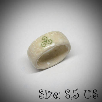 Size 8,5 US, Triskele ring, Corian ring, Band ring, Scrimshaw ring, Engraved ring, Triskele jewelry, Viking ring, Nordic ring, Celtic ring