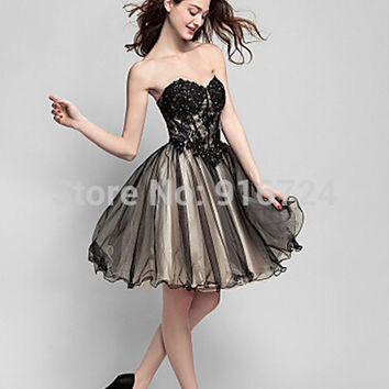 Cocktail Party Dress A-line Sweetheart Knee-length Tulle Dress Appliques Custom Made Lace up