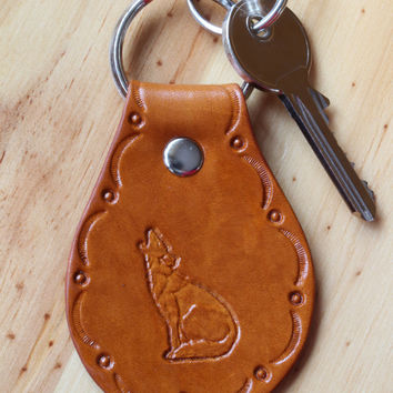 Howling Coyote Keychain, Coyote Key Fob, Leather Key Chain, Wolf Key Fob, Hand Tooled Leather Key Fob, Wolf Keychain, Howling Wolf Keyring