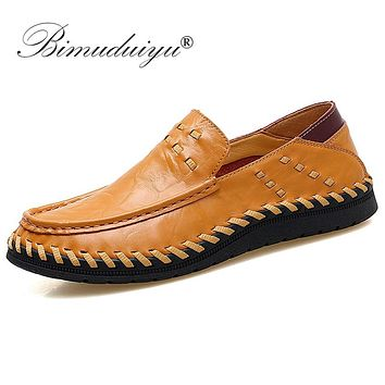 Fashion Comfortable Men Flat Shoes Slip On Casual Cow Leather Shoes New Handmade Moccasins Black Shoes