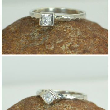 14k White Gold Hammered Square CZ Gem Ring