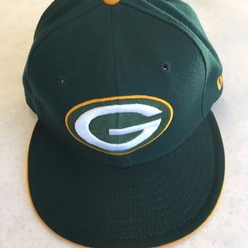 RETRO NEW ERA 5950 GREEN BAY PACKERS YELLOW BUTTON FLAT BRIM FITTED HAT