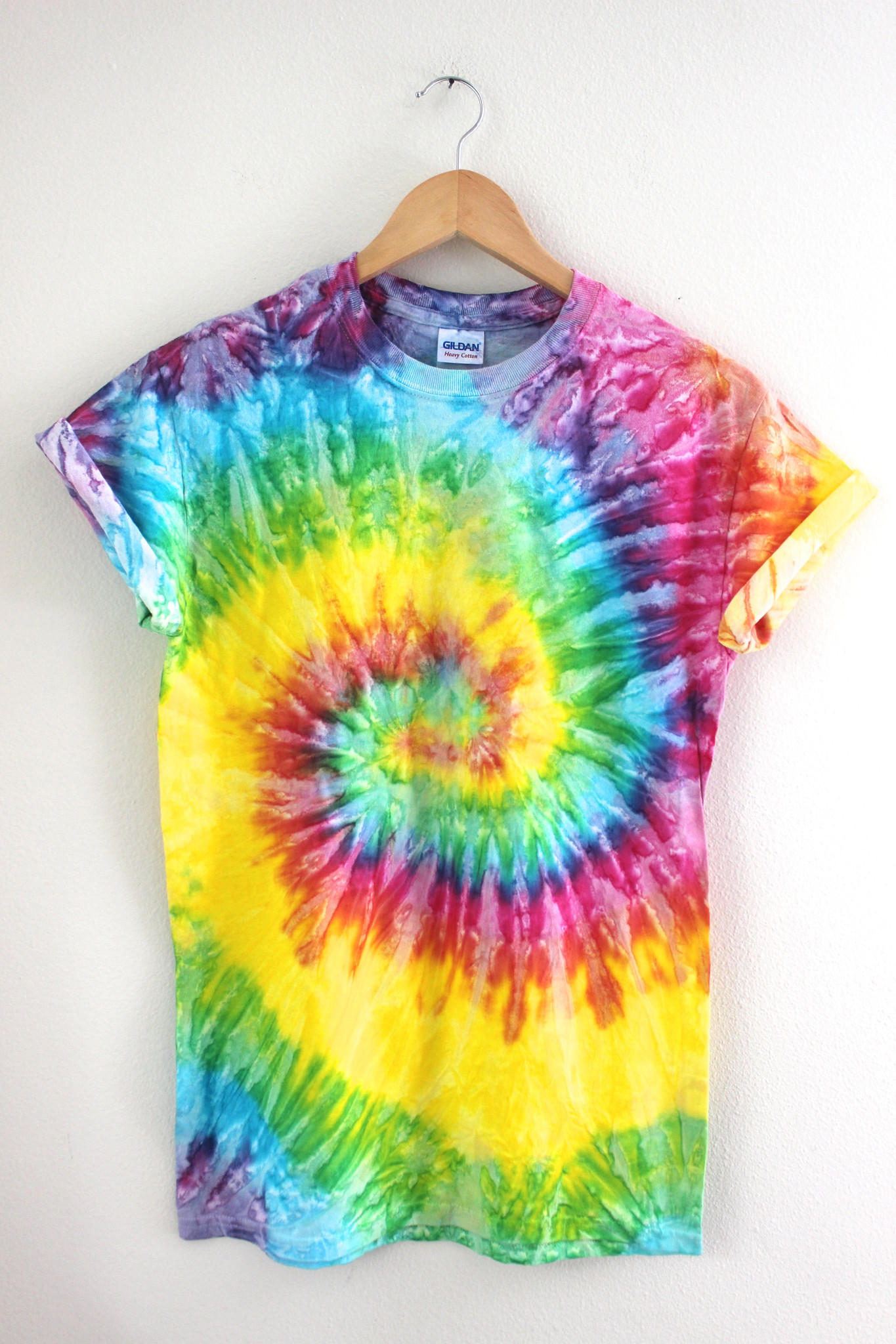 bright rainbow tie dye unisex tee from era of artists