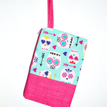 Valentine's Day Wristlet, Sugar Skull Wristlet, Coin Purse, Cotton Wristlet, Large Wristlet, Women's Wristlet, Hearts and Arrows Wristlet