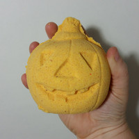 Pump-Kindred Spirits - 3D Pumpkin Bath Bomb