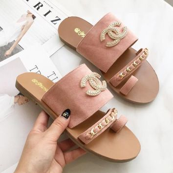 Chanel Fashion Ladies Personality Belt Buckle Flat Flip Flops Sandals Slippers Shoe Pink