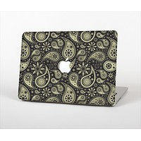 """The Black & Vintage Green Paisley Skin Set for the Apple MacBook Air 11"""""""
