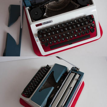 Vintage Manual Typewriter, Working Typewriter, Erika Daro Typewriter, Office Home Decor, Studio Decor, QWERTZ Keyboard
