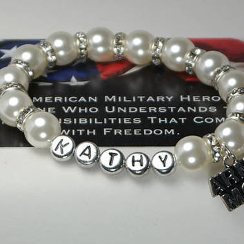 gift for army mom - deployment - mom of soldier - military - army mom gift - deployed son - gift for mom - usa - personalized name