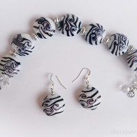 Lampwork jewelry Black and white bracelet and earrings Black and white lampwork beaded bracelet Gift for her Lampwork dangles for her