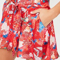 Missguided - Red Floral Satin Belted Shorts