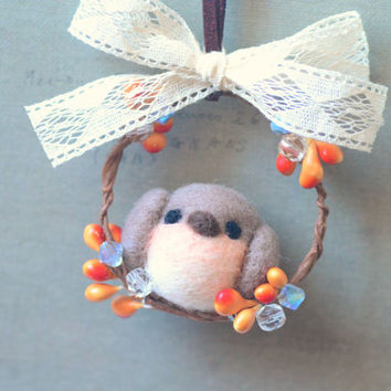 Handmade robin bird on wreath ornament, needle felted robin bird Christmas tree ornament, felt bird charm, winter home decor, gift under 20