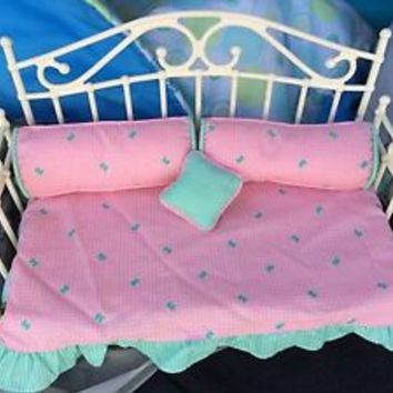 Rare Vintage 1988 HASBRO Barbie Maxie Day Dreamin' Bed Daybed Doll Accessories