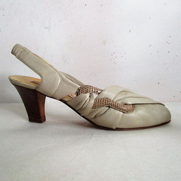 Vintage Pino Carina 80s Shoes Beige Leather Open Toe Snake Skin Wrap Stacked Heel 1980s Designer Sandals 38 Italy