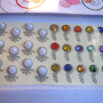 Designer Bollywood shiny teardrop Bindi India /Dots/face jewel/headpiece/belly Sticker/Tatto/fancy Bindi/Valentine Gift