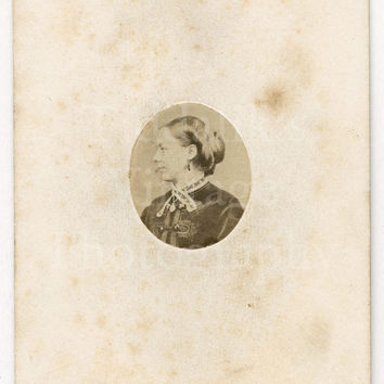 CDV Carte de Visite Photo Victorian Pretty Woman Tiny Profile Portrait by W Hall of Brighton England