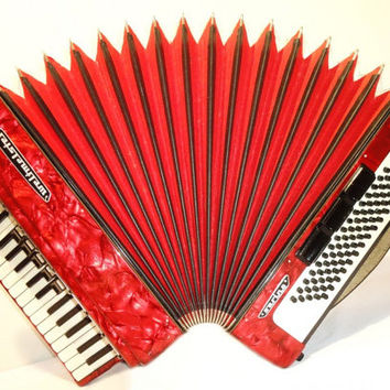 Accordion Instrument Musical Instrument WELTMEISTER Serino 80 bass. Beautiful German Piano Accordion Accordian 284