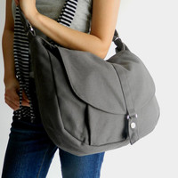 SALE - Kylie in gray // Messenger / Diaper bag / Shoulder bag / Tote bag / Purse / Handbag / Hip bag / Women / For her