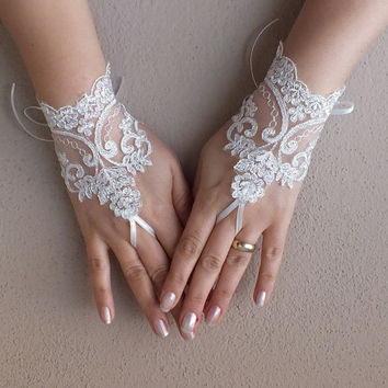 ivory wedding glove, ivory, silver -embroidered lace gloves, Fingerless Gloves, bridal gloves, Free Ship