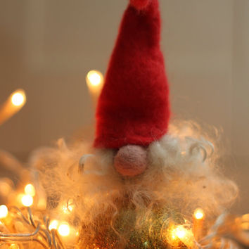 Red Tomte - Christmas Decoration, Norwegian Gnome, Tomte, Nis, Nisse, Scandinavian, Needle Felted Miniature, Swedish Tomten, Elf, Jultomte